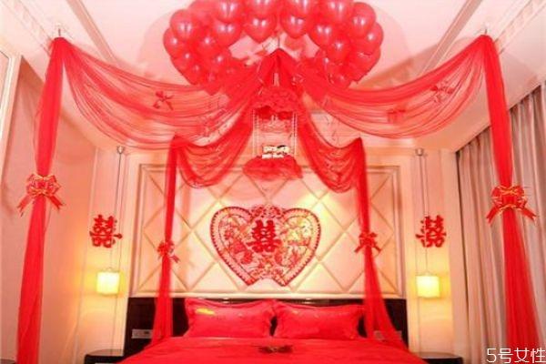 结婚怎么布置新房 结婚当天新房如何布置
