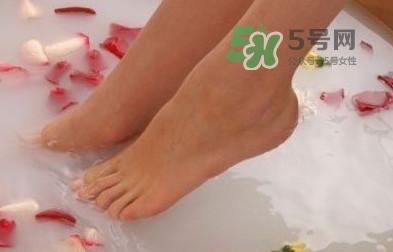 花椒水泡脚能降血压吗?泡脚是干花椒好还是鲜花椒好