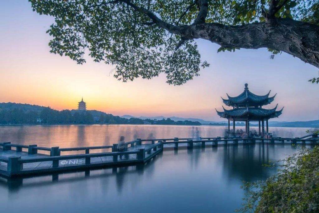 西湖民间故事:金牛湖的传说故事
