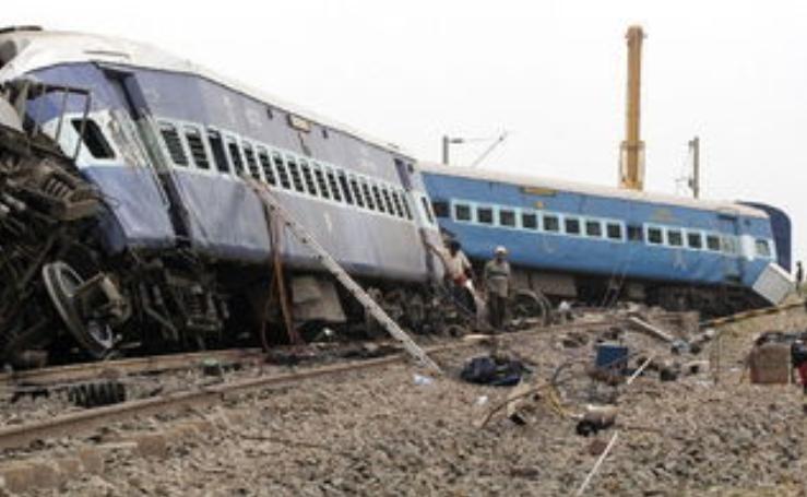 梦见火车脱轨翻车的预兆是好的吗